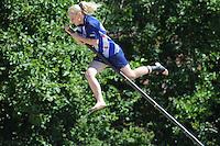 FIERLJEPPEN, WINSUM:  FK Fierljeppen, Maureen Poiesz Sneek (meisjes) 15.18m, ©foto Martin de Jong