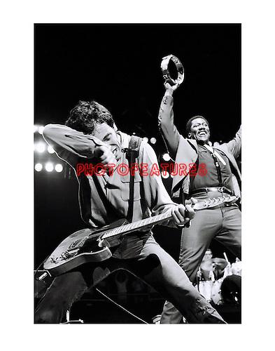 Bruce Springsteen 1981 LA Sports Arena.© Chris Walter.