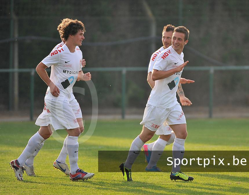 KV Kortrijk - KSV Roeselare : Brecht Dejaegere scoort en viert zijn doelpunt met zijn ploegmaats<br /> foto VDB / Bart Vandenbroucke