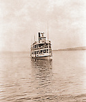 Lakewood NY: The City of Cleveland ferry arriving at the Kent House pier -  1901