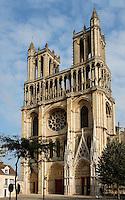 Church of Notre Dame, 12th - 14th century, Mantes-la-Jolie, Yvelines, France Picture by Manuel Cohen