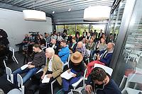 SCHAATSEN: LEMMER: 23-10-2015, Het Woudagemaal, Team Stressless Perspresentatie, Bart Swings, ©foto Martin de Jong