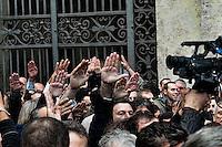 Roma 5 Novembre 2012.Il saluto romano al feretro di Pino Rauti fuori dalla basilica di San Marco a Piazza Venezia..The Roman salute the coffin of Pino Rauti out from the Basilica of San Marco in Venice Piazza