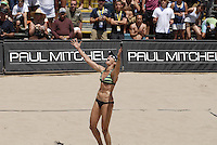 Huntington Beach, CA - 5/6/07:  Elaine Youngs yells out in jubilation after scoring during Branagh / Youngs' 21-13, 21-13 loss to May-Treanor / Walsh in the championship match of the AVP Cuervo Gold Crown Huntington Beach Open of the 2007 AVP Crocs Tour..Photo by Carlos Delgado