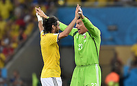 FUSSBALL WM 2014                ACHTELFINALE Kolumbien - Uruguay                  28.06.2014 Torwart Faryd Mondragon (re) und Mario Yepes (li, beide Kolumbien) jubeln nach dem Abpfiff