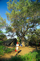 KLASERIE PRIVATE GAME RESERVE, SOUTH AFRICA, DECEMBER 2004. Gary's basecamp in the bush. Wildlife guide Gary Freeman takes people on walking safaris in the bush. Photo by Frits Meyst/Adventure4ever.com