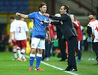 Fussball International  WM Qualifikation 2014   Italien - Daenemark                16.10.2012 Riccardo Montolivo und Trainer Cesare Prandelli (v. li., Italien)