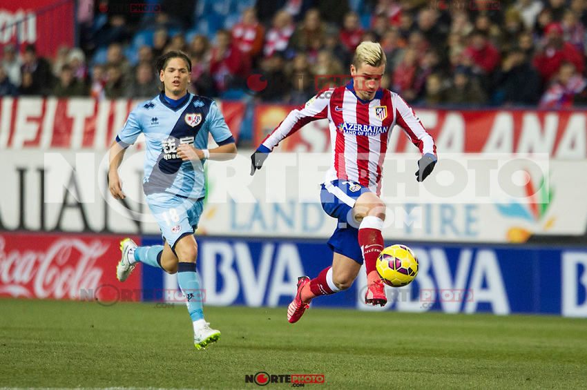 Atletico de Madrid&acute;s Antoine Griezmann and Rayo Vallecano&acute;s Ze Castro during 2014-15 La Liga match between Atletico de Madrid and Rayo Vallecano at Vicente Calderon stadium in Madrid, Spain. January 24, 2015. (ALTERPHOTOS/Luis Fernandez) /NortePhoto<br />
