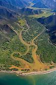 Embouchure de la rivière Koua et sa vallée, entre Kouaoua et Poro, côte Est Nouvelle-Calédonie