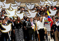 Presidente Juan Santos entrega acuerdo paz con las FARC al senado , 25-08-2016