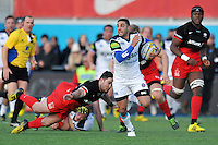 Dan Bowden of Bath Rugby goes on the attack. Aviva Premiership match, between Saracens and Bath Rugby on January 30, 2016 at Allianz Park in London, England. Photo by: Patrick Khachfe / Onside Images
