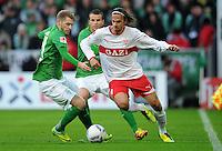 FUSSBALL   1. BUNDESLIGA   SAISON 2011/2012    14. SPIELTAG SV Werder Bremen - VfB Stuttgart       27.11.2011 Martin HARNIK (re, Stuttgart) gegen Aaron HUNT (li) und Lukas SCHMITZ (Mitte, beide Bremen)