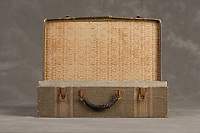 Willard Suitcases / Kenneth Q / ©2014 Jon Crispin