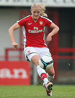 Katie Chapman of Arsenal - Arsenal Ladies vs Sparta Prague - UEFA Women's Champions League at Boreham Wood FC - 11/11/09 - MANDATORY CREDIT: Gavin Ellis/TGSPHOTO - Self billing applies where appropriate - Tel: 0845 094 6026