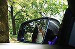 Foto: VidiPhoto<br /> <br /> BENNEKOM - Huwelijk van Sebasti&euml;n Eckebus en Kim Hoenjet uit Bennenkom. Trouwreportage gemaakt in het Arboretum in Wageningen.