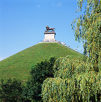 Belgium, Province Walloon Brabant, Waterloo: Butte du Lion monument on the Waterloo battlefield | Belgien, Provinz Wallonisch-Brabant, Waterloo: Loewenhuegel, der Loewe von Waterloo, Wahrzeichen in der Nachbargemeinde Braine-l'Alleud