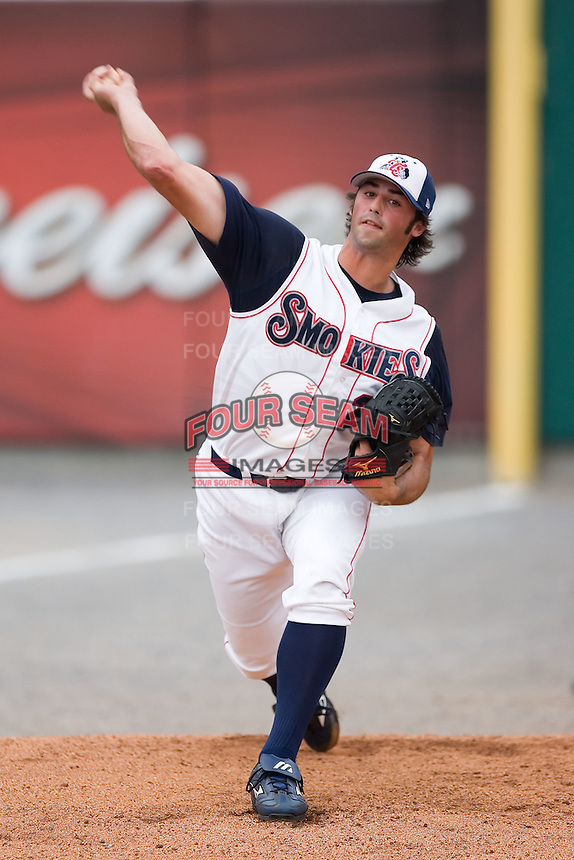Tennessee starting pitcher Justin Berg (25) warms-up in the bullpen prior to taking on the Carolina Mudcats at Smokies Park in Sevierville, TN, Friday, July 27, 2007.
