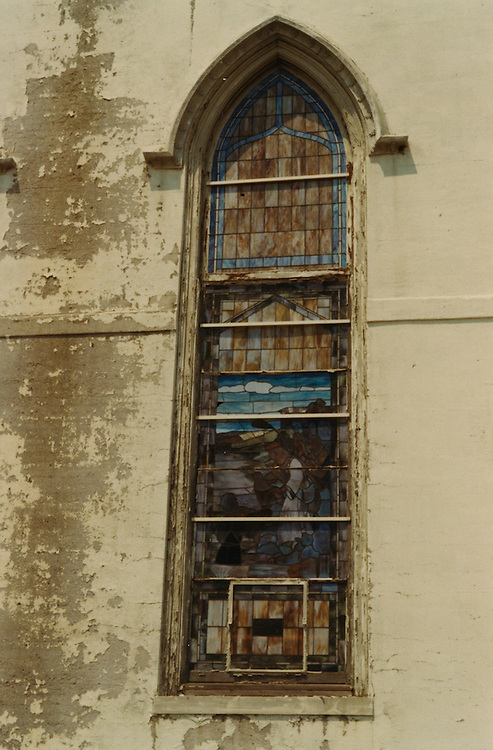 1966 June..Conservation.Downtown North (R-8)..Bank Street Baptist Church.501 Bank Street.Views of Stained Glass Windows..15. Closeup of Window H...NEG#.NRHA#..