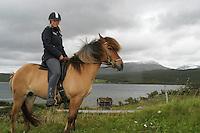 An-Magritt Morset (29) på konkurransehesten Gydja. Stugudal i Tydal, S-Trøndelag