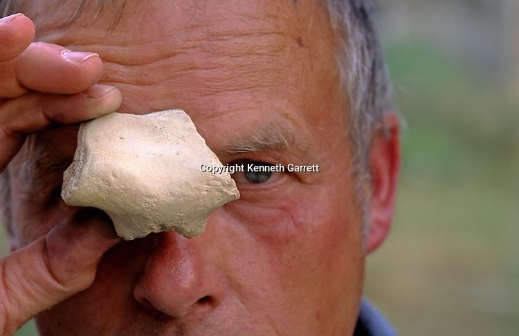 ancient human brow bone, Dietrich Mania, Blizingsleben, Germany, 412000 years ago
