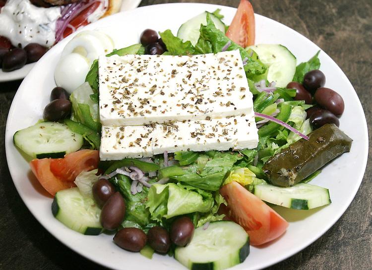 WOODBURY CT. 21  March 2008-032108SV05--Greek Salad at Big Daddy's in Woodbury.<br /> Steven Valenti Republican-American