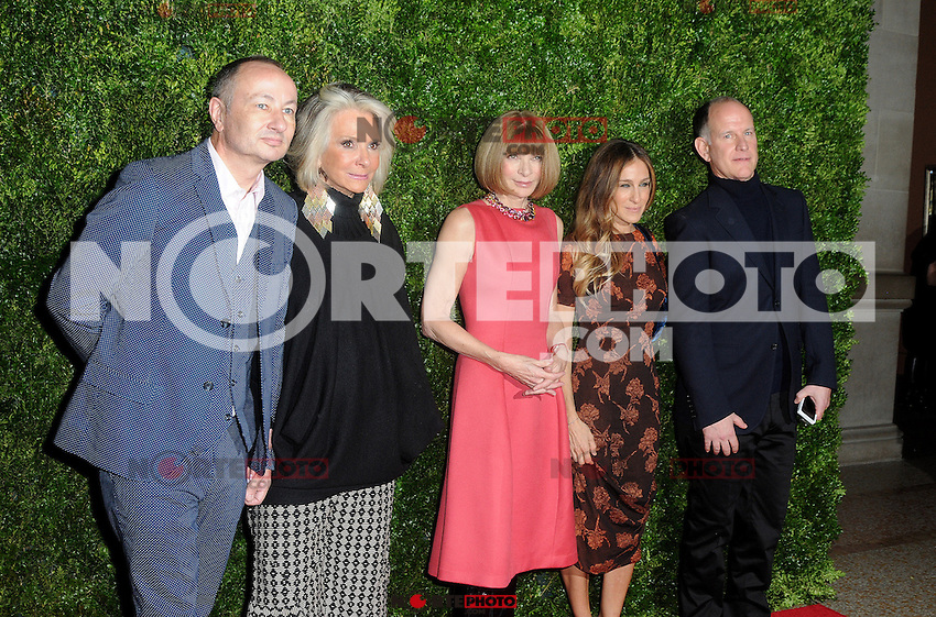 """New York, NY- December 4, 2012:   Sheila Nevins, Anna Wintour , Sarah Jessica Parker and guests attend the HBO and Vogue Screening """"In Vogue: The Editor's Eye"""" at the Metropolitan Museum of Art on December 4, 2012 in New York City. (C) Joe Stevens / Mediapunch ©/NortePhoto /NortePhoto© /NortePhoto /NortePhoto"""