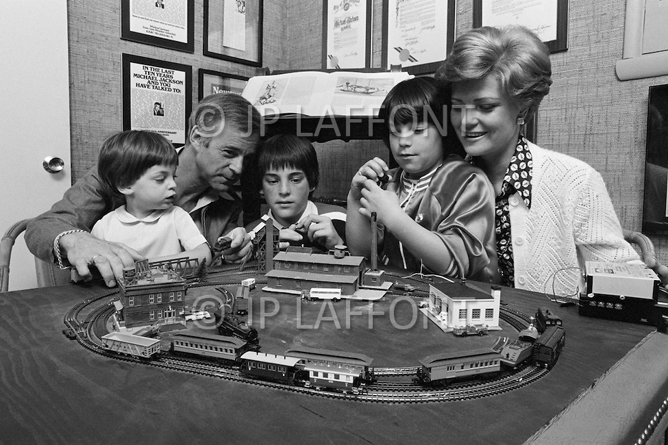 July 1979, Hollywood, Los Angeles, California, USA. Michael Jackson and his wife Alana, the daughter of actress and agent Sue Carol and actor Alan Ladd, with their children Alan, Devon and Alissa, at home in Hollywood. Image by © JP Laffont