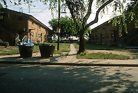 1993 June 21..Assisted Housing.Calvert Square..BEFORE RENOVATIONS.ROLL 3-4.BAGNALL ROAD LOOKING NORTH...NEG#.NRHA#..