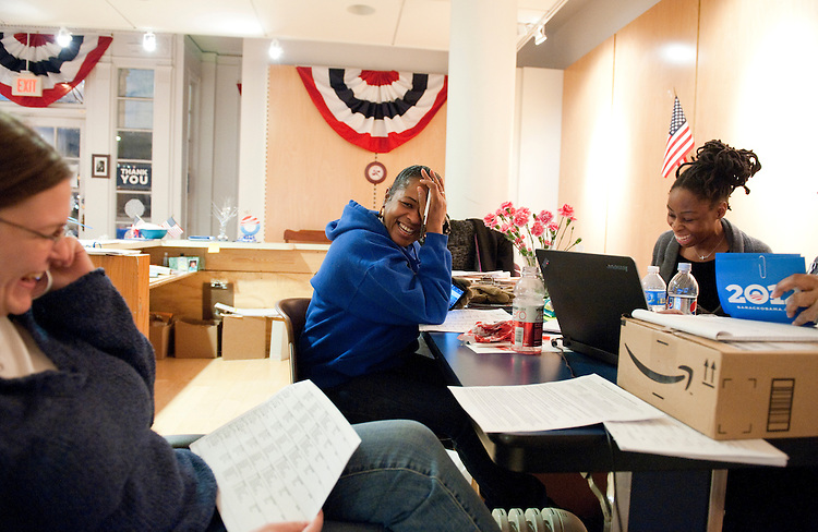 UNITED STATES - FEBRUARY 12:  From left, Michelle Reynolds, Nicole Ikner, Marissa Clark, and Mandi Lewis, work the phones at President Barack Obama's campaign office in Cleveland, Ohio. (Photo By Tom Williams/CQ Roll Call)