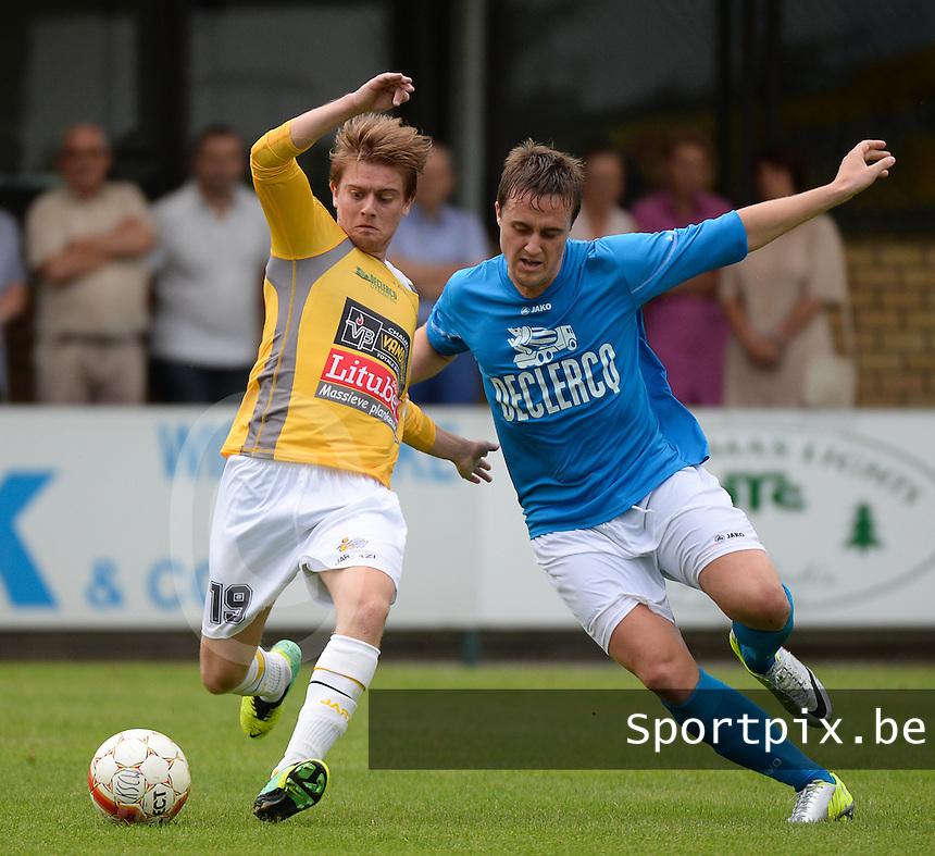 KSC Wielsbeke : Mathias Deveugele (links) aan de bal voor Laurens Desmaele (r) van Racing Waregem <br /> foto VDB / BART VANDENBROUCKE