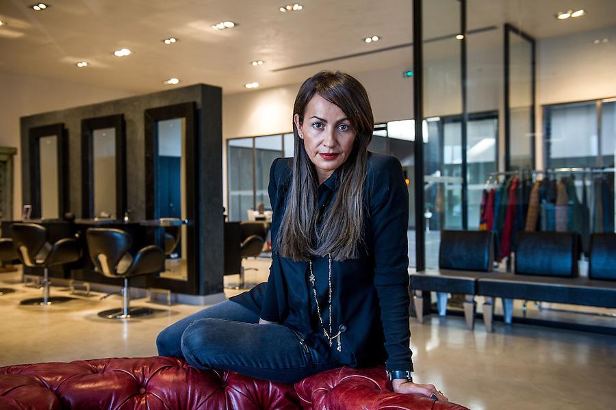 Lila donia g rante du salon de coiffure et pr t porter for Salon du pret a porter