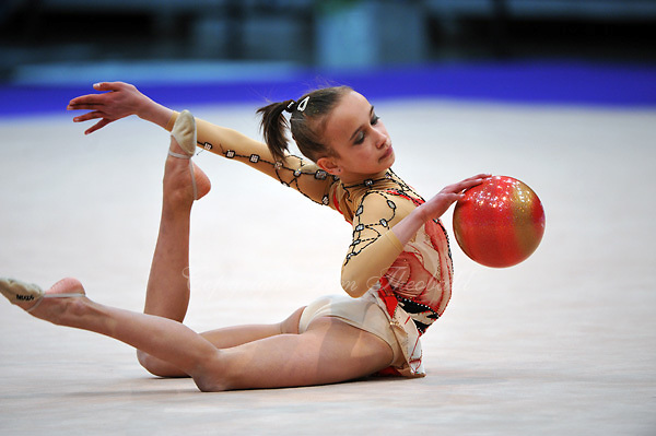 Diana Kamalova of Belgium (junior) performs at 2010 World Cup at Portimao, Portugal on March 12, 2010.  (Photo by Tom Theobald).