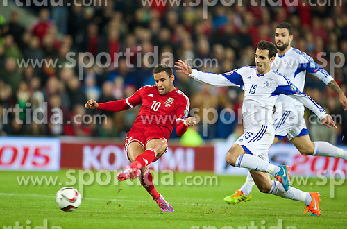 13.10.2014, City Stadium, Cardiff, WAL, UEFA Euro Qualifikation, Wales vs Zypern, Gruppe B, im Bild Wales' Hal Robson-Kanu celebrates scoring the second goal against Cyprus // 15054000 during the UEFA EURO 2016 Qualifier group B match between Wales and Cyprus at the City Stadium in Cardiff, Wales on 2014/10/13. EXPA Pictures &copy; 2014, PhotoCredit: EXPA/ Propagandaphoto/ David Rawcliffe<br /> <br /> *****ATTENTION - OUT of ENG, GBR*****