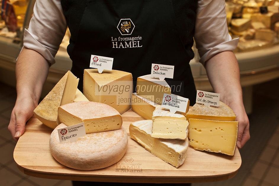 Amérique/Amérique du Nord/Canada/Québec/Montréal: Camille Jamison-l'Ecuyer présente ses fromages au lait cru du  Québec à la Fromagerie Hamel au Marché Jean Talon