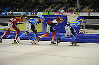 SCHAATSEN: HEERENVEEN: IJsstadion Thialf, 17-01-2015, Marathonschaatsen, KPN Marathon Cup 14, Topdivisie Dames, Elma de Vries (#87), Francesca Lollobrigida (#96), Foske Tamar van der Wal (#90), Yvonne Spigt (#44), ©foto Martin de Jong