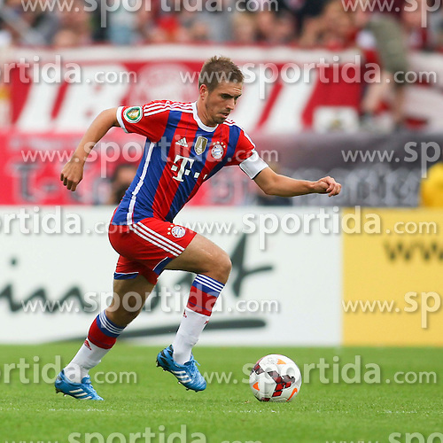 17.08.2014, Preussenstadion, Muenster, GER, DFB Pokal, SC Preussen Muenster vs FC Bayern Muenchen, 1. Runde, im Bild Kapitaen Philipp Lahm (FC Bayern Muenchen #21) // during the 1st round match of German DFB Pokal between SC Preussen Muenster vs FC Bayern Munich at the Preussenstadion in Muenster, Germany on 2014/08/17. EXPA Pictures &copy; 2014, PhotoCredit: EXPA/ Eibner-Pressefoto/ Schueler<br /> <br /> *****ATTENTION - OUT of GER*****