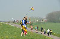 WANDELSPORT: READE KLIF: Elfstedenwandeltocht 08-05-2013, ©foto Martin de Jong