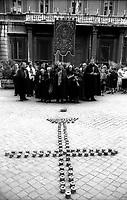 Arciconfraternita del SS. Crocefisso in Urbe a Roma che risiede della Chiesa di San Marcello al Corso fondata nell'anno 1519.<br /> http://www.confraroma.altervista.org/.
