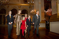 Le roi Philippe de Belgique, la reine Mathilde de Belgique, leurs enfants, le prince Gabriel, le prince Emmanuel, la princesse El&eacute;onore, la princesse Elisabeth, assistent au concert de No&euml;l au Palais Royal de Bruxelles. <br /> Belgique, Bruxelles, le 21 d&eacute;cembre 2016.<br /> King Philippe of Belgium, Queen Mathilde of Belgium, their children Prince Gabriel (12), Prince Emmanuel (10), Princess Eleonore (7), Crown Princess Elisabeth (14)  pictured during the yearly Christmas Concert, at the Royal Palace, in Brussels.<br /> Belgium, Brussels, 21 December 2016