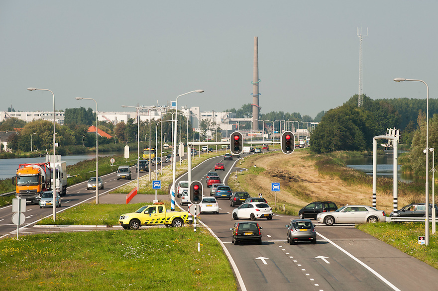 Nederland, Zaanstad, 4 sept 2014<br /> Verkeerssituaties bij Krommenie en Assendelft.<br /> <br /> Foto: (c) Michiel Wijnbergh
