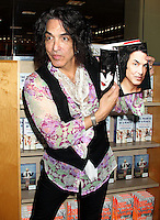 "APR 16 Paul Stanley of KISS ""Face the Music: A Life Exposed"" Book Signing"