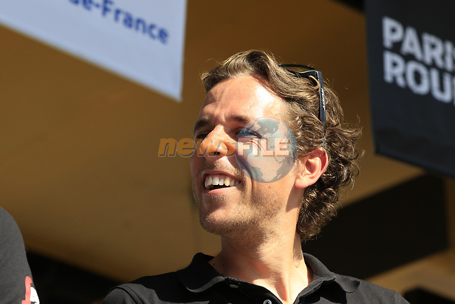 Koen De Kort (NED) Trek-Segafredo team at the Team Presentation for the upcoming 115th edition of the Paris-Roubaix 2017 race held in Compiegne, France. 8th April 2017.<br /> Picture: Eoin Clarke | Cyclefile<br /> <br /> <br /> All photos usage must carry mandatory copyright credit (&copy; Cyclefile | Eoin Clarke)