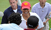 Kailua, Hawaii - December 29, 2008 -- United States President-elect Barack Obama smiles as he shakes hands with the crowd gathered beside the 18th hole after he made the putt in Kailua, Hawaii on Monday, December 29, 2008. Obama and his family arrived in his native Hawaii December 20 for the Christmas holiday..Credit: Joaquin Siopack - Pool via CNP