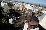 © Remi OCHLIK/IP3, Rutshuru , Republique Democratique du Congo, le 21 novembre 2008 - Camp de refugies de Rutshuru, les habitants des environs ont fui leurs villages pour se refugier a cote du camp de la MONUC..Rutshuru refugees camp