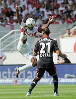 FUSSBALL   1. BUNDESLIGA  SAISON 2011/2012   3. Spieltag     20.08.2011 VfB Stuttgart - Bayer Leverkusen        Cacau (VfB Stuttgart,li) gegen Oemer Toprak (Bayer 04 Leverkusen)