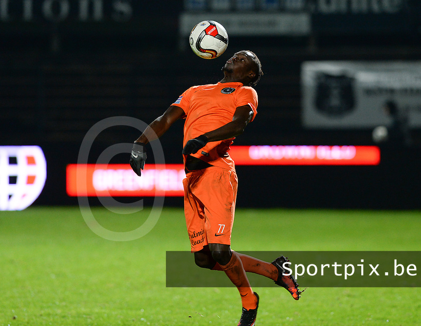 20160116 - ROESELARE, BELGIUM : Brussels Mamadou Fall pictured during the Proximus League match between KSV Roeselare and Royal White Star Brussels , in Roeselare , Saturday 16 January 2016 , on the 21st day of the Belgian second division soccer championship. PHOTO DAVID CATRY