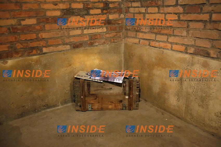 Roma 24-03-2016 Da sabato apre, dopo 70 anni di abbandono, il bunker reale, appartenente alla famiglia Savoia. Il bunker fu realizzato presumibilmente intorno al 1940-42, ad una distanza di circa 350m dalla palazzina reale, dentro Villa Ada. L'entrata del bunker, che si trova al livello stradale, permetteva l'entrata delle automobili. La struttura, situata a 200m di profondit&agrave;', ha una struttura circolare. Il bunker aveva un sistema di riciclo e deputazione dell'aria, che permetteva un totale isolamento anche in assenza di energia elettrica. Il sistema di filtraggio veniva azionato tramite energia cinetica, pendolando su una sorta di bicicletta. Completano il rifugio, due bagni, un'anticamera e 2 ambienti di servizio. Il bunker era dotato di una via di fuga secondaria, con l'accesso da una bellissima scala a chiocciola.<br /> Rome 24th March 2016. Opening after 70 years of the Royal bunker, belonged to the Savoy family. The bunker was built between 1940 and 1942 and was 250m far from the Royal House, inside Villa Ada park. The entry of the bunker was made to allow cars entrance. The structure was built 200m deep, inside a hill. The bunker, composed of various rooms, had a complicated system  of aeration, with filters to depurate air, even in lack of electricity. People had to ride on a bicycle to produce kinetic energy. The entrance door, a security and antigas door, has a weight of 5.300 lbs.<br /> Photo Samantha Zucchi Insidefoto