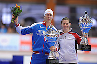 SCHAATSEN: ERFURT: Gunda Niemann Stirnemann Eishalle, 22-03-2015, ISU World Cup Final 2014/2015, winners Overall World Cup, Pavel Kulizhnikov (RUS), Heather Richardson (USA), ©foto Martin de Jong