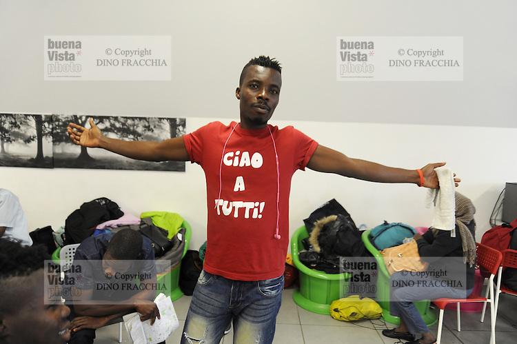Milano, emergenza profughi