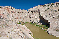 Bighorn River cutting through the Sheep Mountain Anticline